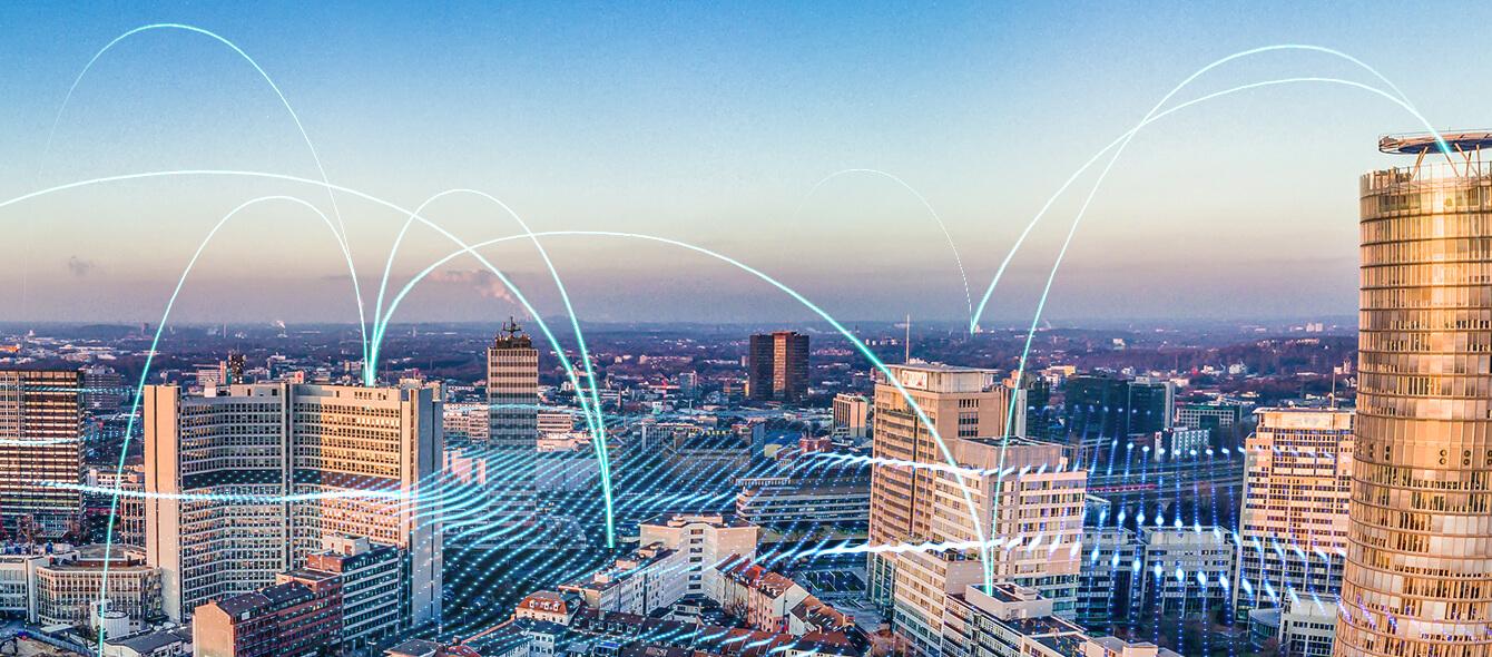 enformer Energienetz Panorama Essen und abstrakte Darstellung dynamischer Vernetzung