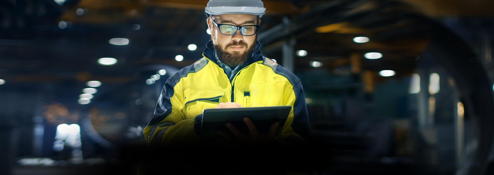 enformer Versorgungssicherheit Stimmungsbild Arbeiter mit Tablet