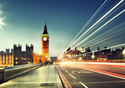 enformer britische Versorgungssicherheit Stimmungsbild London bei Nacht Lichter Geschwindigkeit