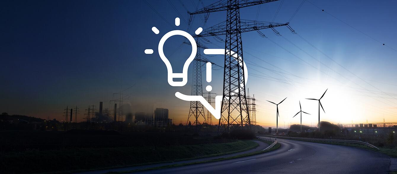 Konventionelle und Erneuerbare Energieerzeuger bei Sonnenuntergang, Stimmungsbild für Lösung oder Idee