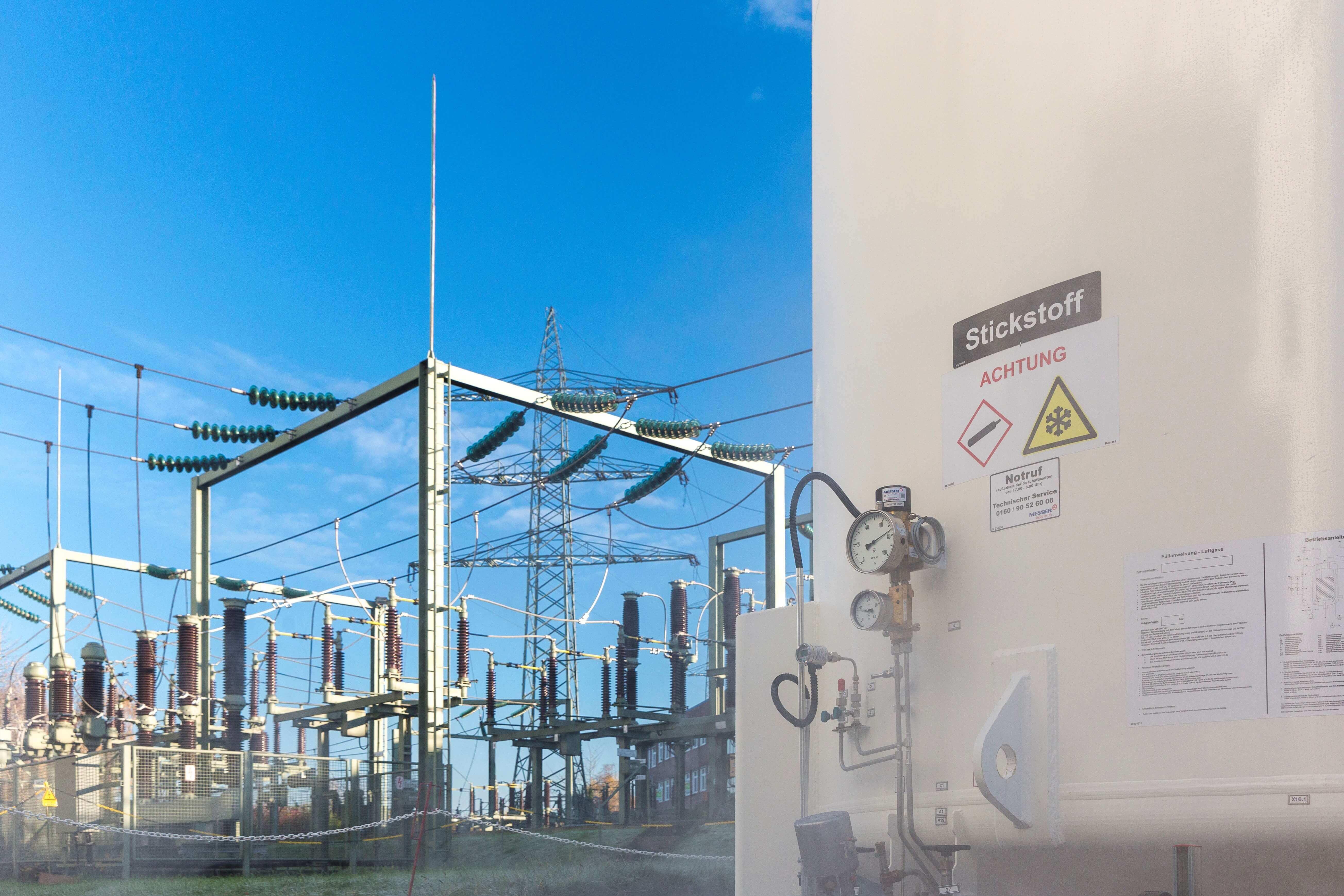 Stickstoff und Stromnetze für einen Supraleiter