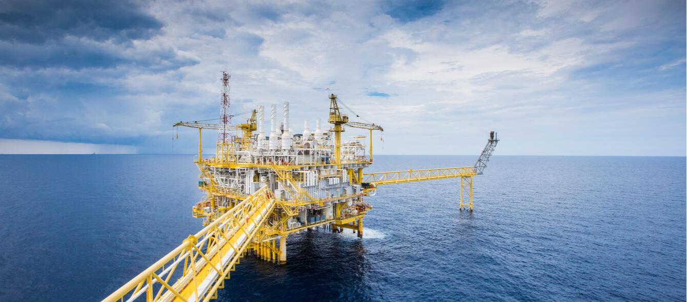 Ölbohrplattform zur klassischen Ölförderung im Meer