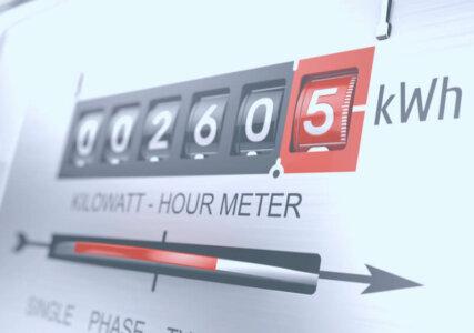 Stromzähler in Nahaufnahme zur Ermittlung des Strompreises