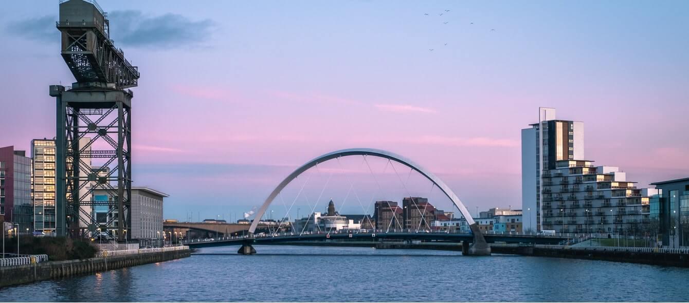 Brücke in Glasgow einer Net Zero City