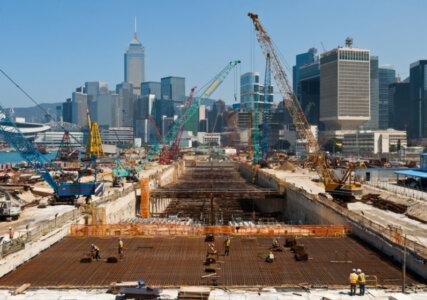 Baustelle in Hongkong - symbolisch für Bevölkerungs- und Wirtschaftswachstum